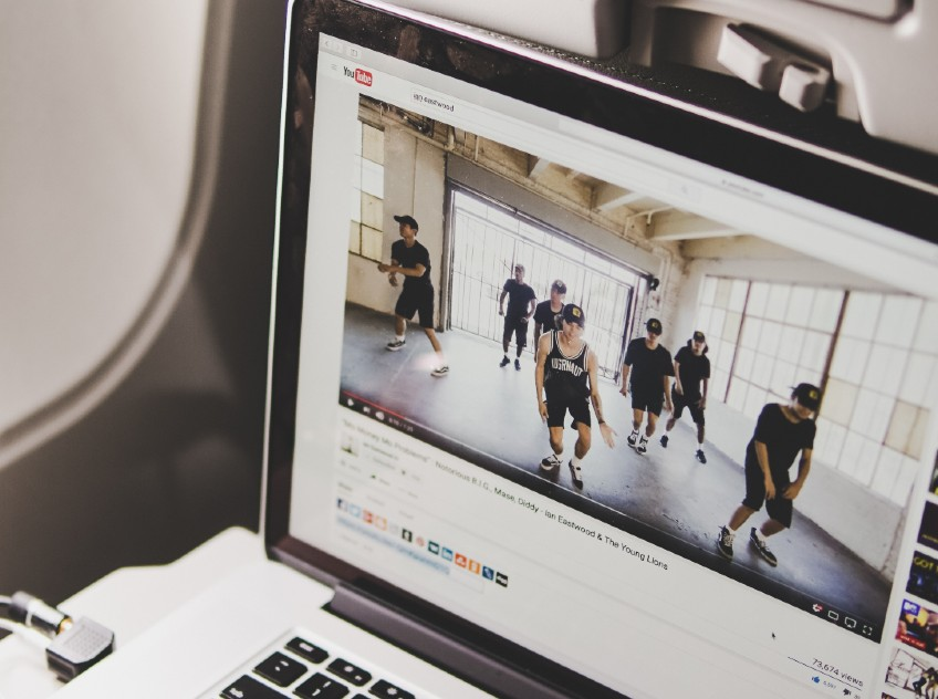 Online exercise video YouTube dancing